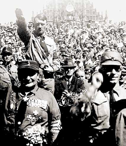 Гитлер маниакально жаждал вершить судьбы человечества.